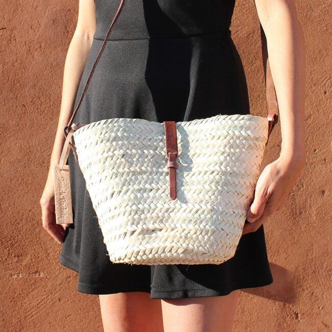 Adèle Mini basket with leather brun closure