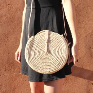 natural straw raffia bag round Natural leather natural closure
