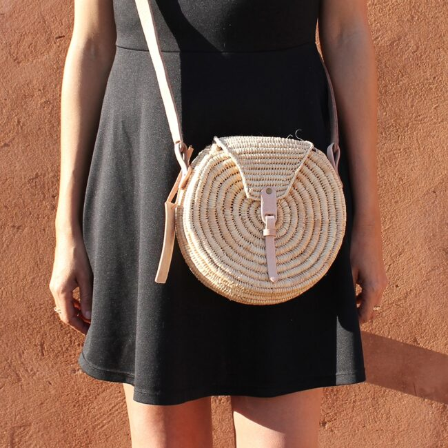 wovenbag small natural straw raffia bag round Natural leather natural closure