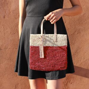 Medium Tote bag made of raffia straw Natural and red color